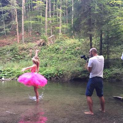 szkoła tańca SZOk nagrywa teledysk w wodzie